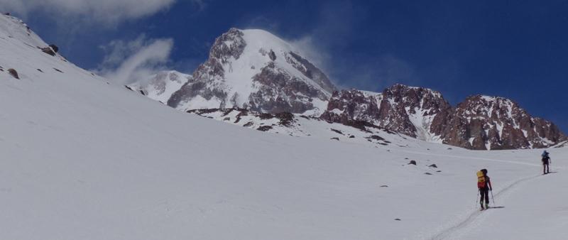 Narciarski Kazbek na zakończenie sezonu