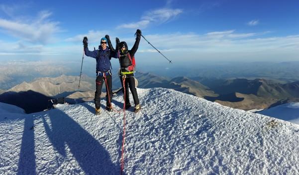 Kazbek i Elbrus, wprowadzenie w wysokie góry.