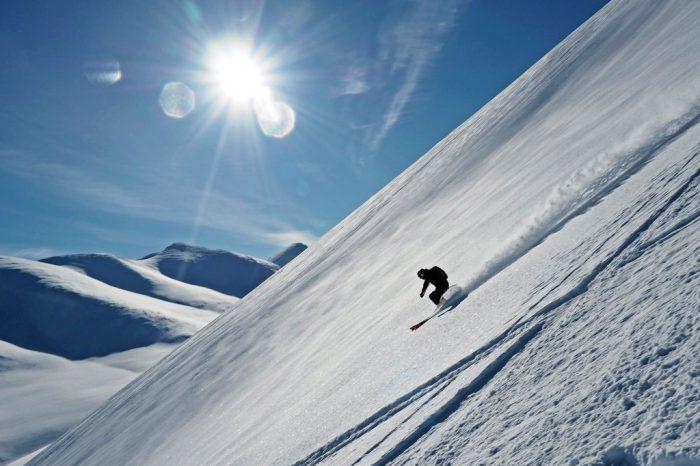 Heli skiing za kołem polarnym – kwiecień 2020